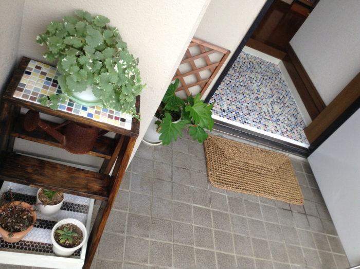 玄関床のモザイクタイル