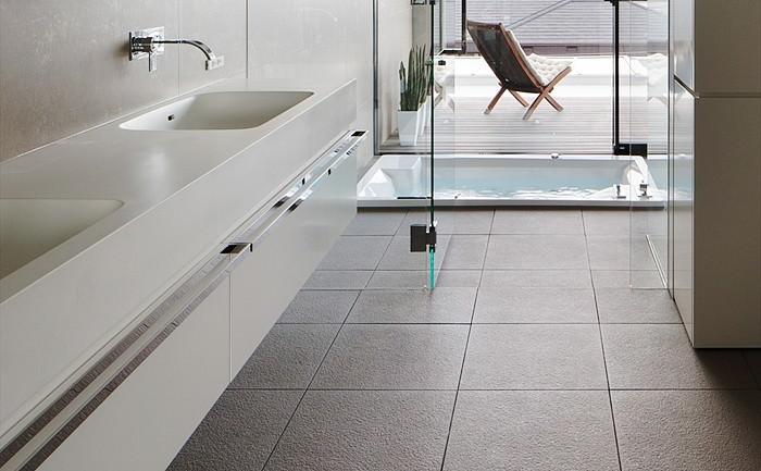 浴室床 300角タイルのイメージ