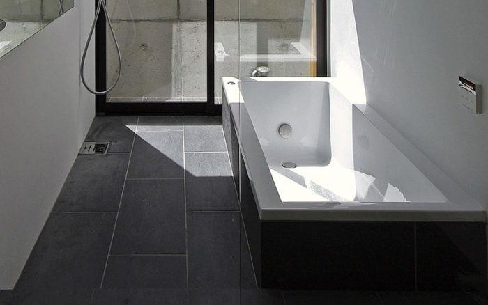 浴室床-方形石材-施工例写真