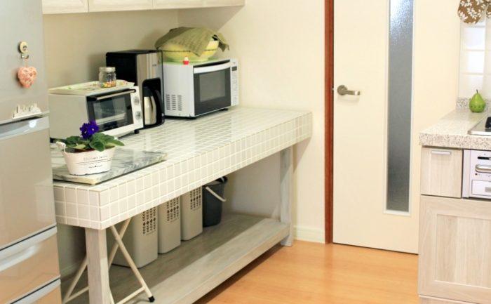 昔の作業台をキッチンテーブルにリメイク