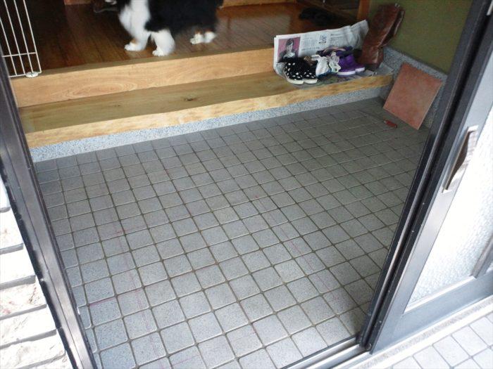 リフォーム前の玄関の内側