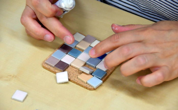 四角形のモザイクタイルのコースター作成