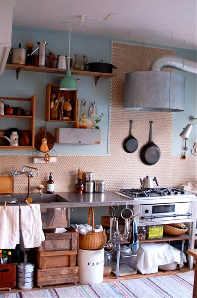 モザイクタイルでオンボロキッチンを大改装♪♪